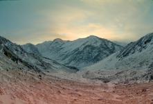 Вид в долину за перевалом