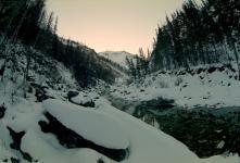 """Вид из """"Козлячего уголка"""" вверх по течению Яман-Гола"""