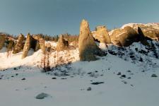 Скалы на левом берегу р.Шумак