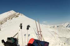 Вид с перевала Шумак на вершину 2937м